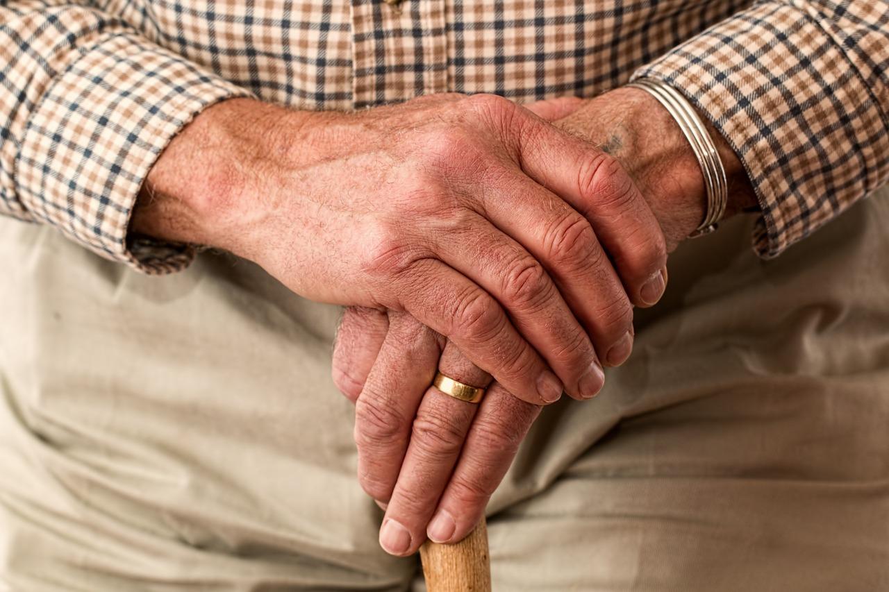 老後資金2,000万円不足問題は大丈夫?老後資金の一部を確定拠出年金で運用中