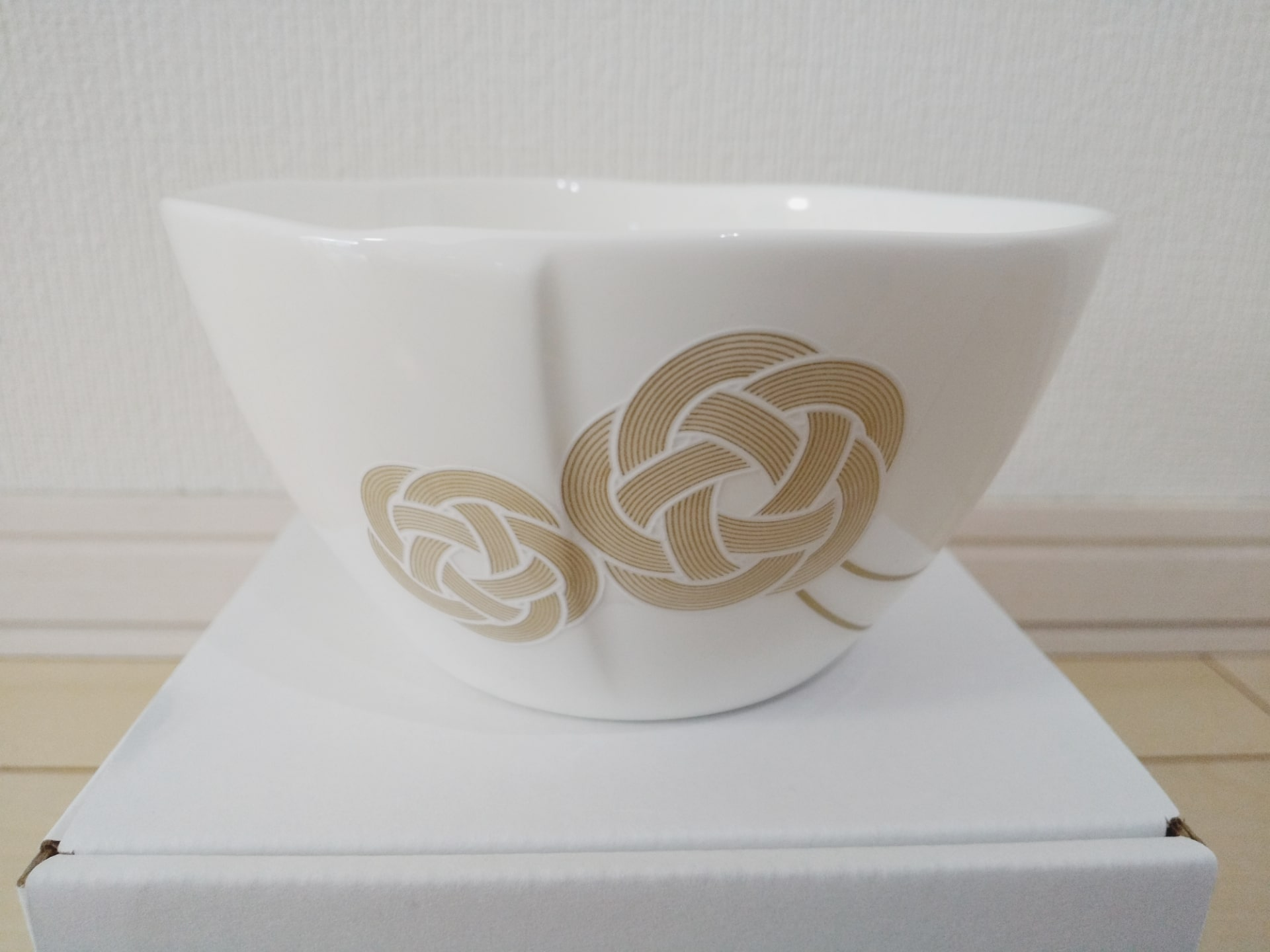 3万円台で買える三谷産業(8285)から株主優待のニッコー小鉢が到着!